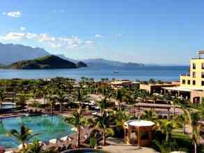 Authentic Mexican hospitality, Mission history, and the natural beauty of the Baja are plentiful in the pueblo magico fishing village of Loreto Mexico. (via thetravellingmom.ca)