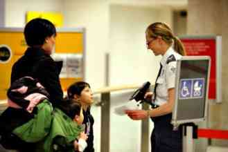 Planning holiday travel? Ten tips for how to get through security faster during the holidays with your family | thetravellingmom.ca
