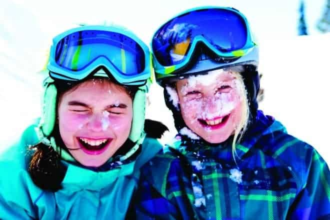 Kids in Grades 4 or 5? Kids ski free with Ski Canada SnowPass