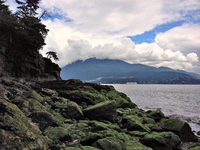 Looking for a family day trip from Vancouver that combines natural beauty with modern comforts? Sail away for a day to beautiful Bowen Island. (via thetravellingmom.ca)