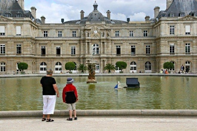 Paris may be for lovers, but it's also for kids & families. Jardin du Luxembourg is the perfect place to spend a day punting boats or enjoying the gardens. (via thetravellingmom.ca)