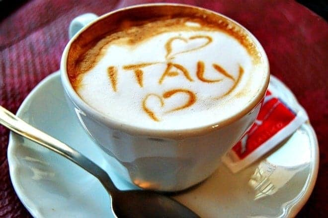 cappuccino with italy written in foam