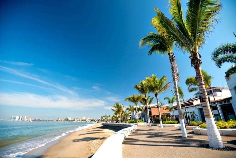 Puerto Vallarta has many cultural experiences that will enrich your family holiday time in the sun. Ways to enjoy Puerto Vallarta culture on your vacation.
