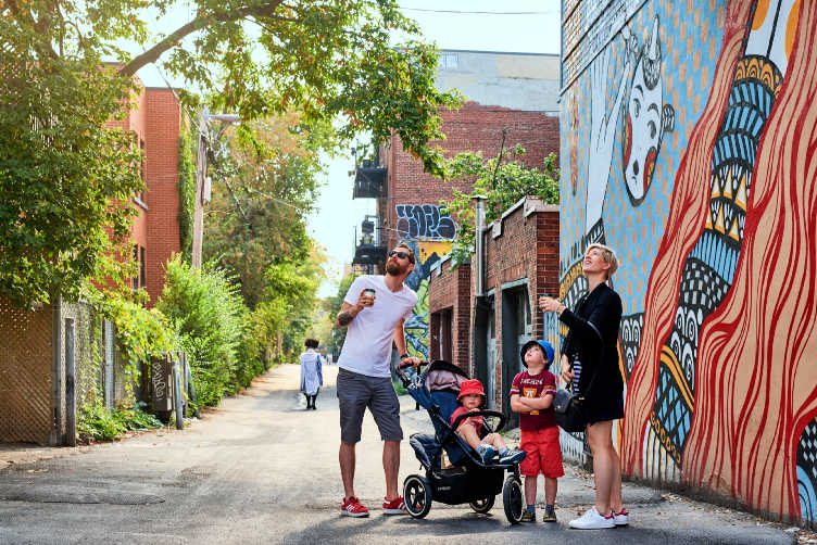 Whether you're planning to stay in an apartment, Airbnb or boutique hotel in Montreal with kids, here are the best places to stay in Montreal for families. #montreal #familytravel #bestneighbourhoods #canada