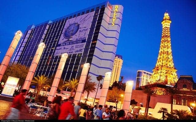 Las Vegas for families? Leave the strip for a great day trip to explore the region's niche museums, famous dams, ghost towns, and the Grand Canyon. (via thetravellingmom.ca)